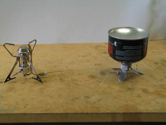 New liquid feed canister stove