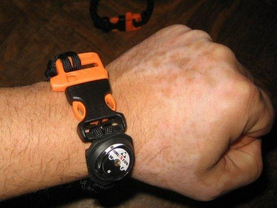 Paracord bracelet with whistle and compass