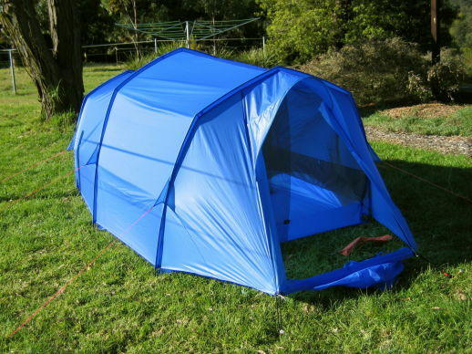 3-pole tent with corners