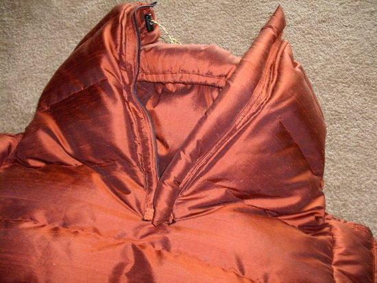 Inside detail, zipper and draft tube