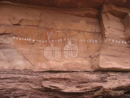 Peekaboo Petroglyphs