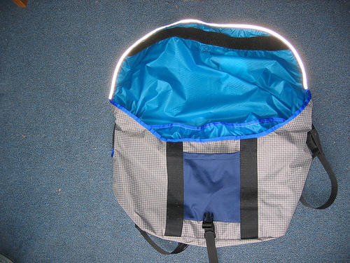 courier pack, open