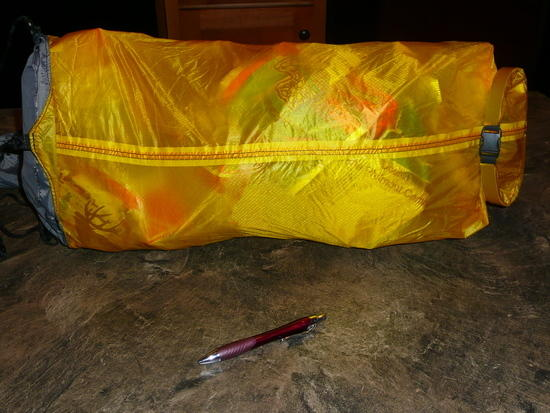18L dry bag filled with 7 meal packets