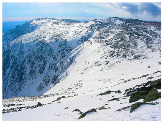Tuckermans Ravine from Upper Snowfields