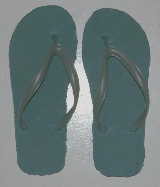 2.5 oz camp slippers