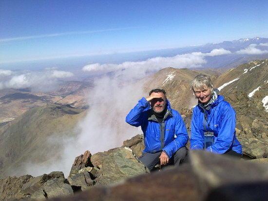 Erdouz summit with ridge behind