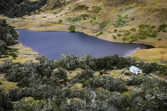 Lake Roe Hut