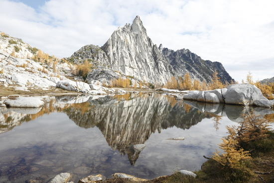 Gnome Tarn reflecting Prusik Peak