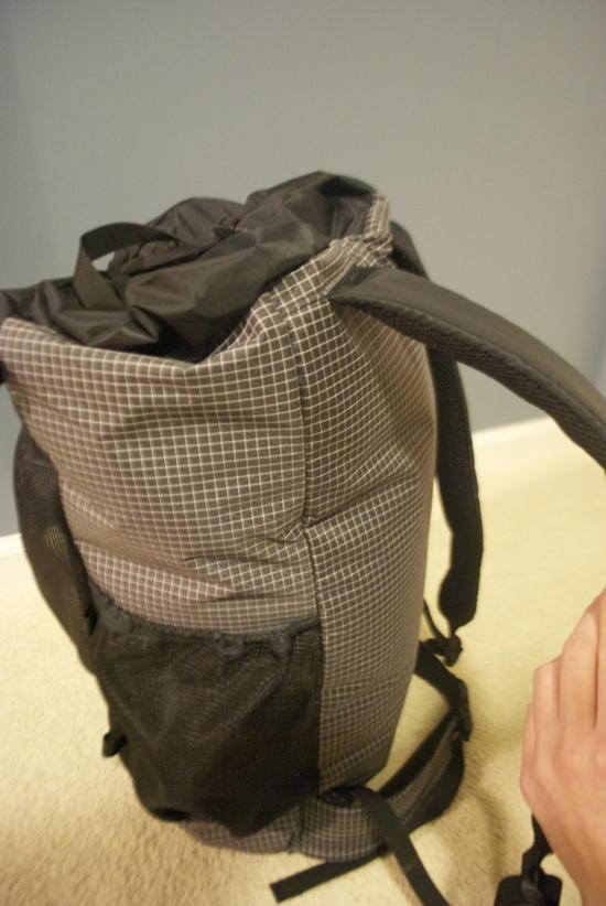 "1/2"" Foam shoulder pads with 3D mesh."