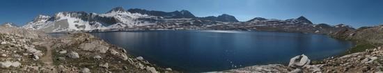 Wanda Lake and the impressive Goddard Divide