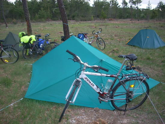 Bike as tarp vertical support 1