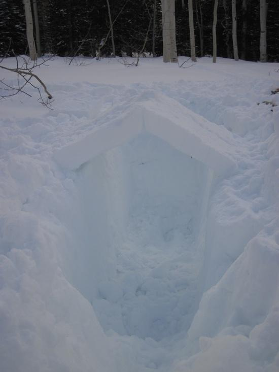 One person snow shelter 1