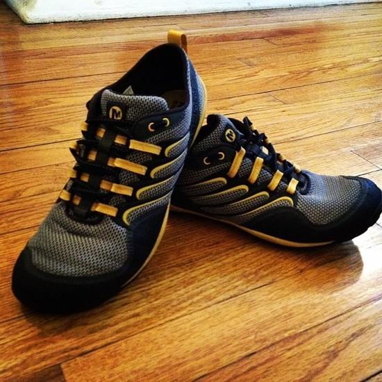 Trail Glove Sz 10