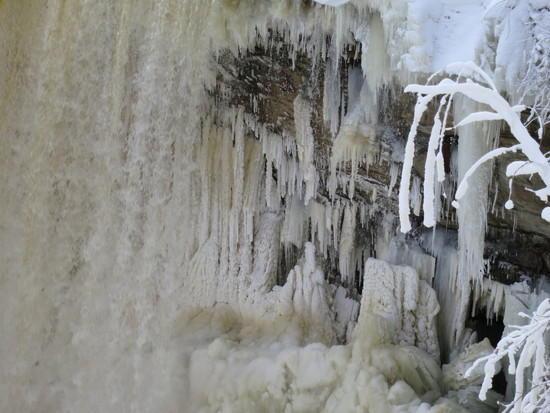 Frozen Underfalls