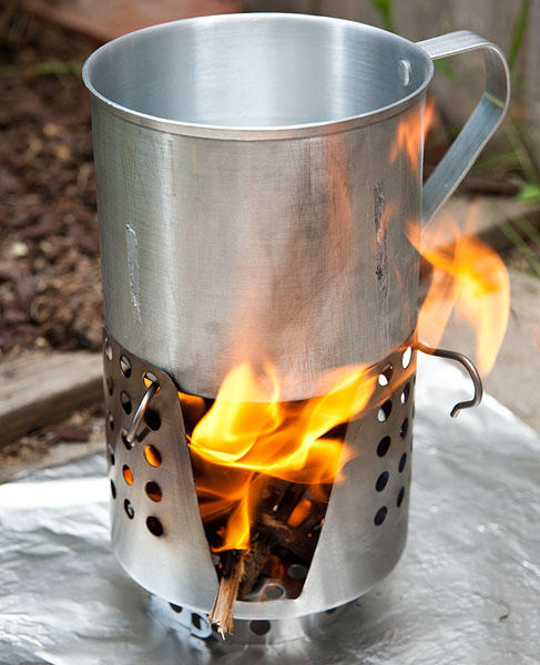 will an aluminum cook pot work with a wood burning stove