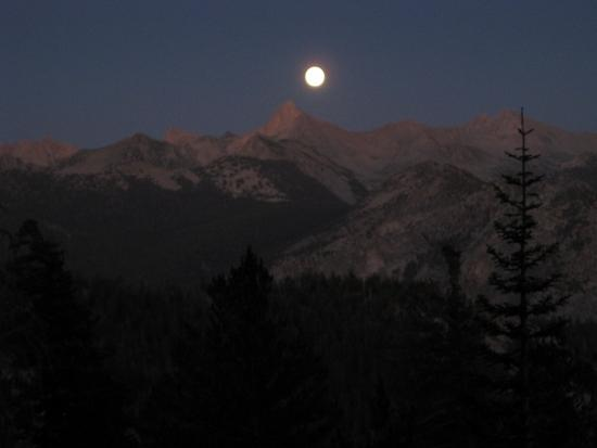Full moon over Kings Canyon