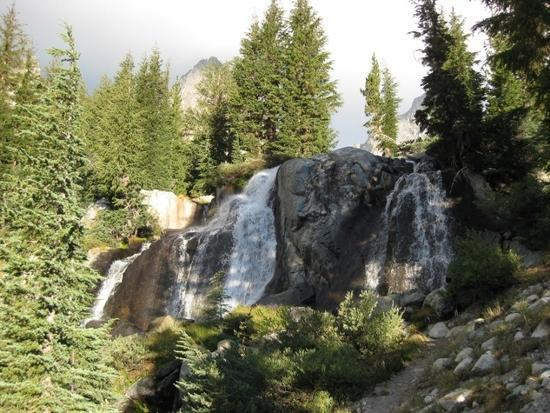 Waterfall above Lake Ediza