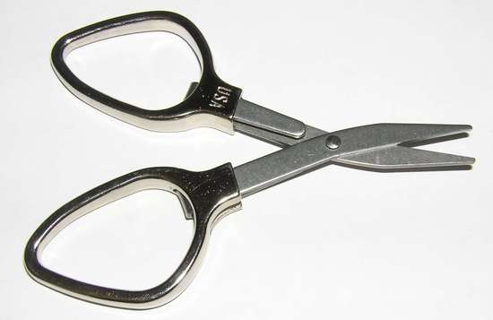 Large finger loop Slip and Snip scissors