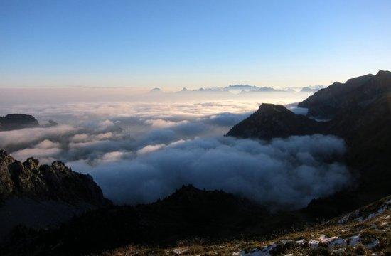 4 West from Col de Pavis