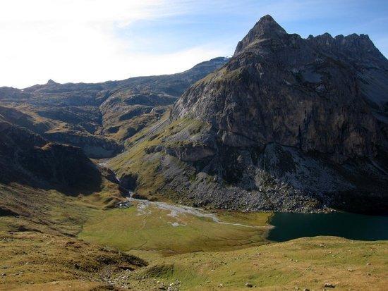12 Lac de la Plagne and Refuge d'Entre-le-Lac