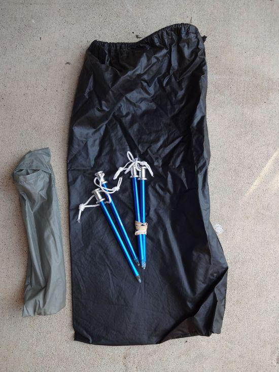 bag and stakes