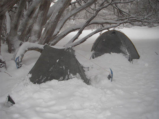 Notch on snow