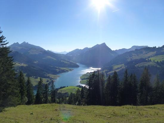 lac del l`Hongrin