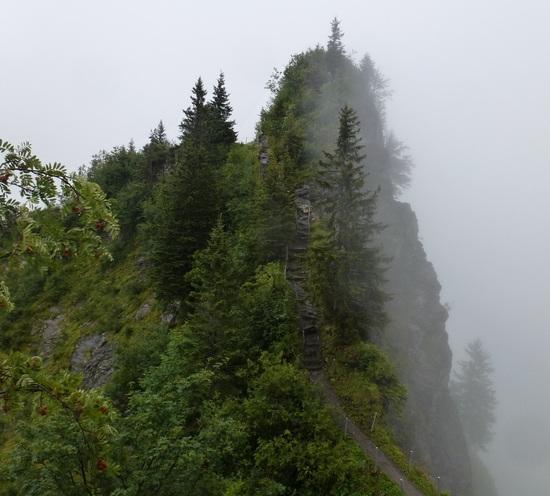 trail over Rüteli