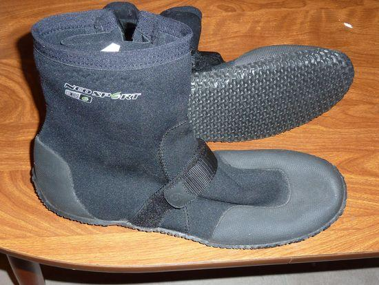 Neosport water boots