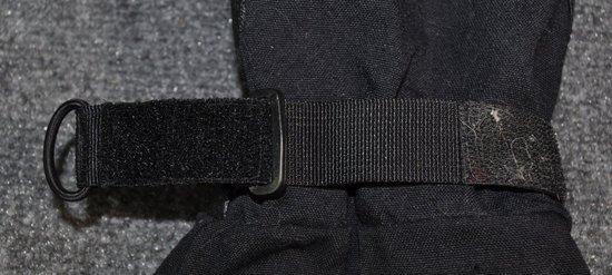 velcro mitten wrist adjuster