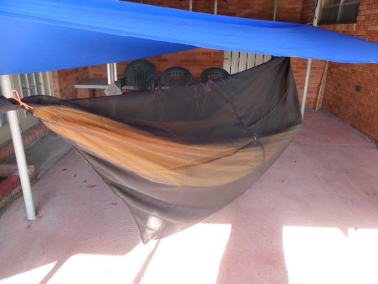 Fully enclosed hammock bug net